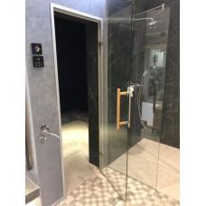 Двери распашные в душевой